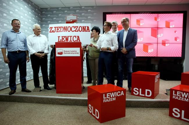 From left: SLD MEP Andrzej Szejna, leader of SLD Leszek Miller, SLD MEPJoanna Senyszyn, MPs Dariusz Joński, Jerzy Wenderlich, Włodzimierz Czarzasty. PAP/Tomasz Gzell