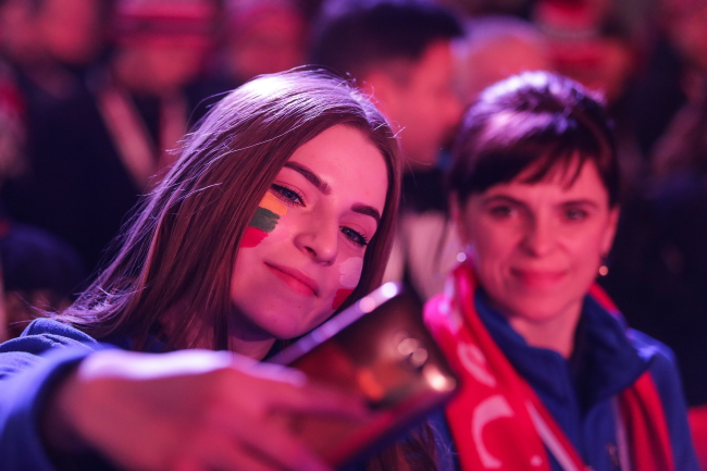 Polish diaspora communities from around the world were represented at the opening ceremony of the Winter Polonia Games. Photo: PAP/Dominik Gajda.