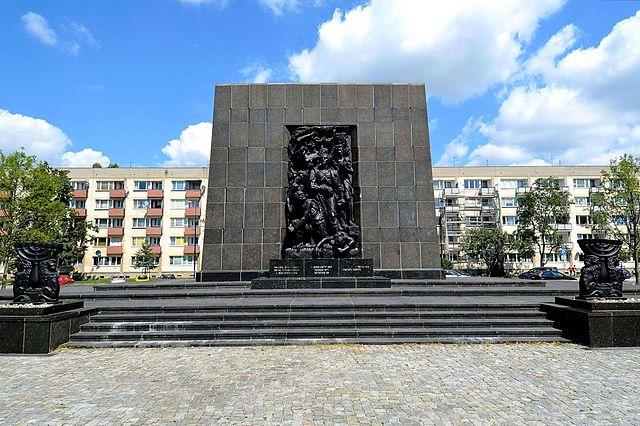 The Monument to Warsaw Ghetto Heroes. Photo: Adrian Grycuk/Wikipedia (CC)