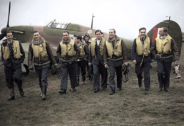 A handful of the pilots who were part of the 303 Squadron. Wikimedia Commons (Public Domain)