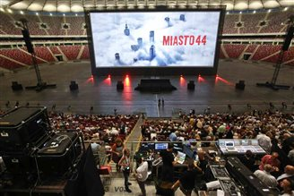 10,000 attend Warsaw 44 premiere