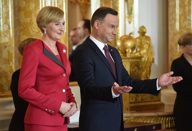 President Andrzej Duda and his wife Agata during ceremonies at the Royal Castle in Warsaw. Photo: PAP/Radek Pietruszka
