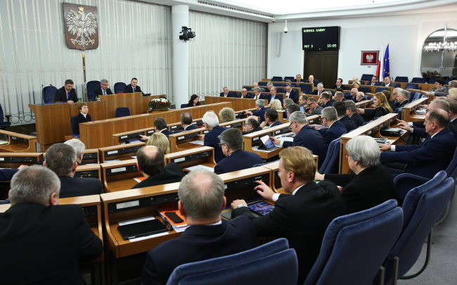 The voting in the senate took place on Saturday. Photo: PAP/Rafał Guz