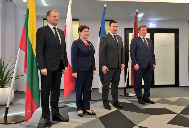 Polish PM Beata Szydło (2L), with Estonian PM Jüri Ratas (2R), Latvian PM Māris Kučinskis (R), and Lithuania's Saulius Skvernelis (L) on Monday. Photo: Twitter.com/@PremierRP