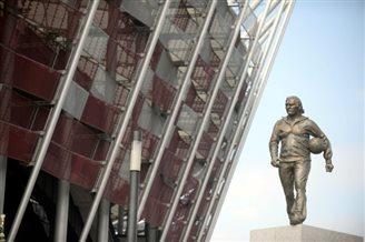 Statue unveiled of legendary coach Kazimierz Górski