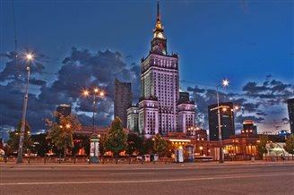 Приостановлено исполнение решения горсовета Варшавы о референдуме