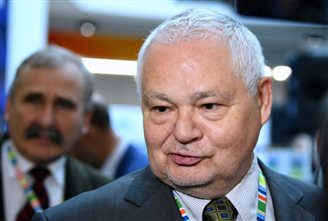 I'm not quitting: Polish central bank chief