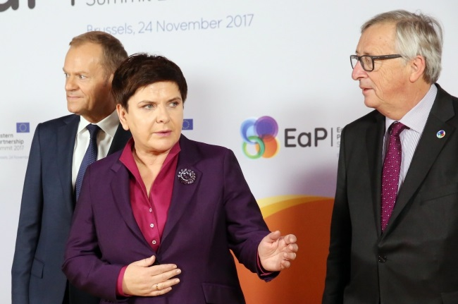 Polish Prime Minister Beata Szydło (centre) with European Council President Donald Tusk (left) and European Commission President Jean-Claude Junker (right) before the start of the EU's Eastern Partnership Summit in Brussels on Friday. Photo: EPA/TATYANA ZENKOVICH