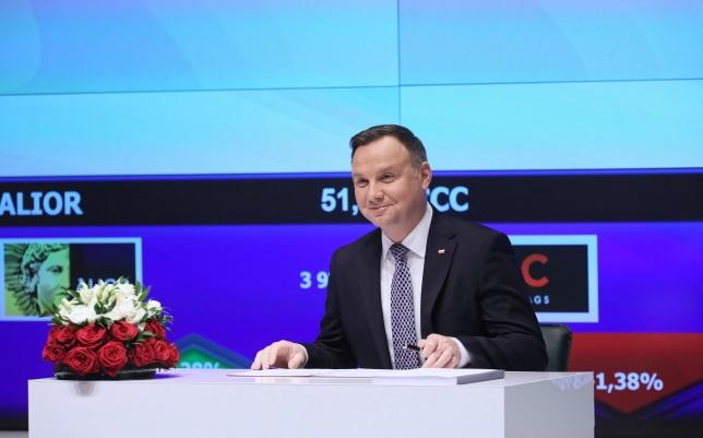 Президент Анджей Дуда подписал Закон о планах капитала для работников в штаб-квартире Варшавской фондовой биржи