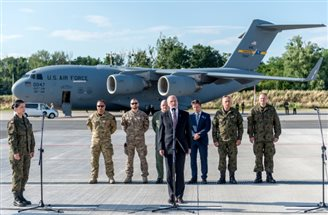 Polish commandos return home from Afghan rescue mission