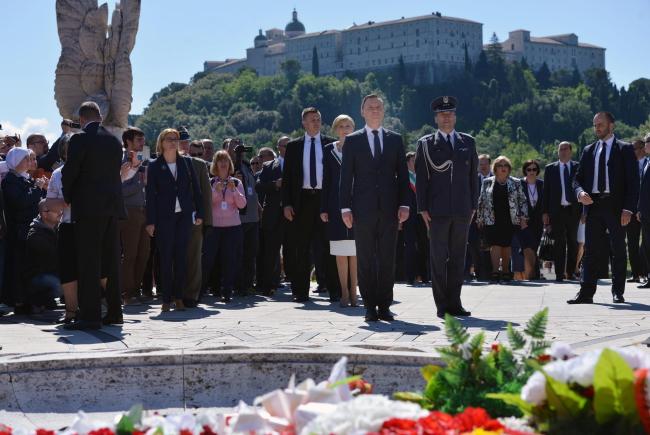 President Andrzej Duda (C) at Monte Cassino. Photo: PAP/Jacek Turczyk