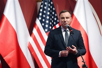 Polish president in US meets investors, gets hero's welcome from compatriots