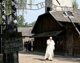 Papst besucht deutsches KZ Auschwitz-Birkenau