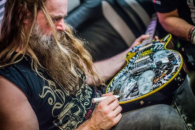 One of the items on sale is a guitar signed by Zakk Wylde. Photo: Marcin Michoń