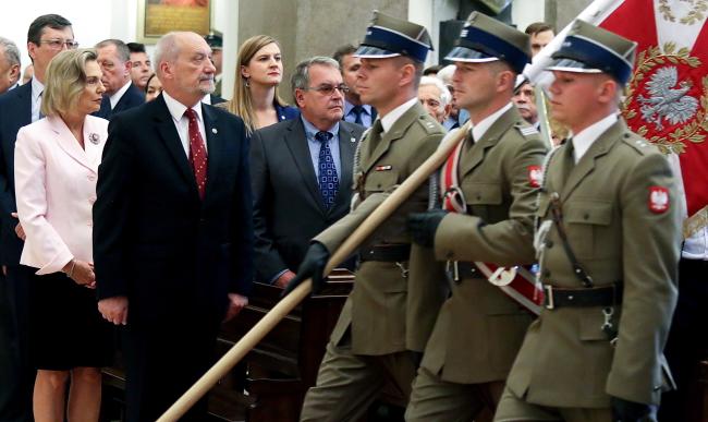 Роковини Блакитної армії, другий зліва – міністр національної оборони Польщі Антоні Мацєревич