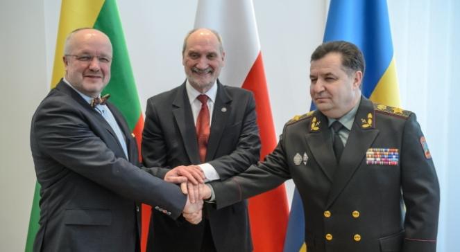 Міністри оборони Литви, Польщі і України Юозас Олекас, Антоні Мацєревич і Степан Полторак