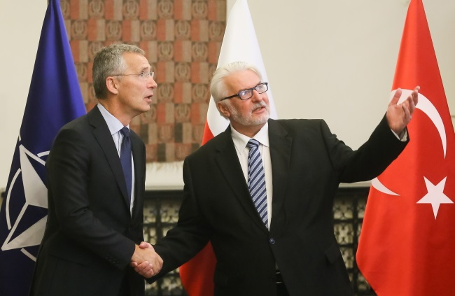 Polish FM Witold Waszczykowski (right) and NATO's Jens Stoltenberg during a meeting in Warsaw on Friday. Photo: PAP/Paweł Supernak