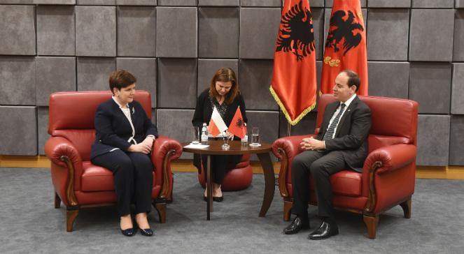 Premier Beata Szydło podczas spotkania z Albańskim prezydentem Bujarem Nishanim w Tiranie
