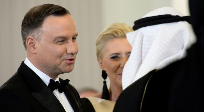 Президент Польщі Анджей Дуда та його дружина Аґата Корнгаузер-Дуда під час зустрічі з дипломатами у Варшаві