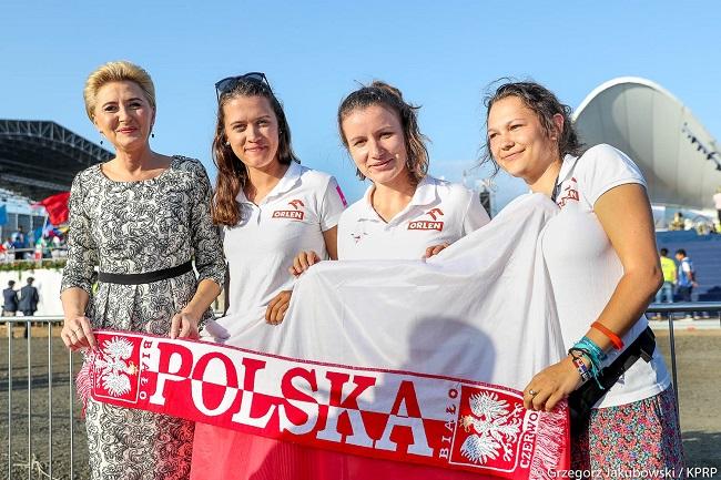 Agata Kornhauser-Duda meets a group of Poles in Panama. Photo: Grzegorz Jakubowski/KPRP