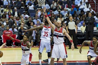 Gortat tries his hand at TV anchoring