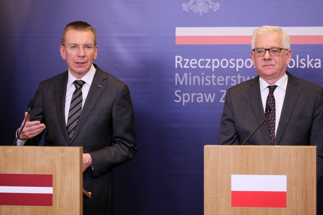 Эдгарс Ринкевичс и Яцек Чапутович