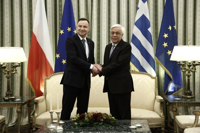 Andrzej Duda and Prokopis Pavlopoulos. Photo: EPA/YANNIS KOLESIDIS.