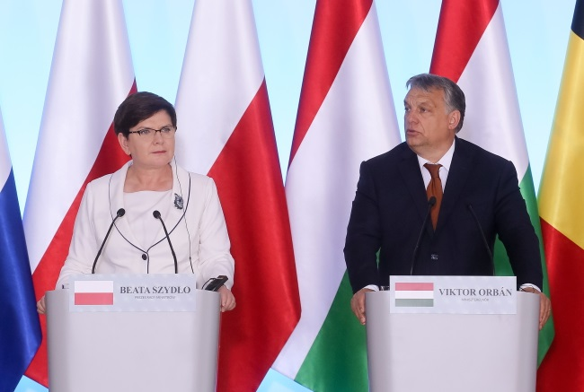 Polish PM Beata Szydło and Hungary's Viktor Orban in Warsaw. Photo: PAP/Paweł Supernak