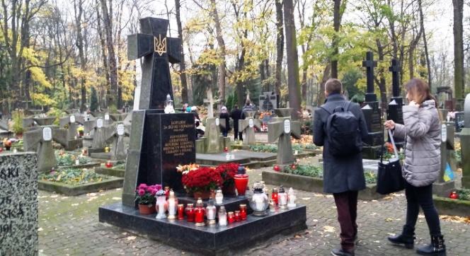 Поховання воїнів УНР на Православному кладовищі у Варшаві