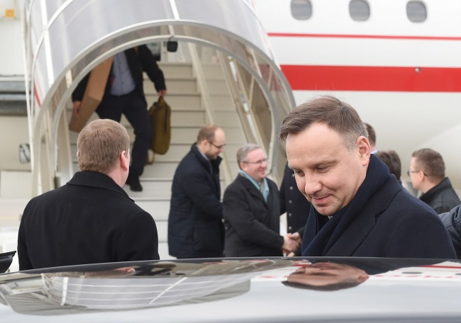 President Andrzej Duda at Zurich airport ahead of the World Economic Forum in Davos. Photo: PAP/Radek Pietruszka