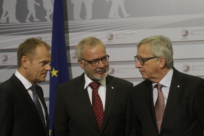 President of the European Council Donald Tusk (L-R), Spanish Foreign minister Jose Manuel Garcia Margallo and President of the European Commission Jean-Claude Juncker during arrivals at Eastern Partnership Summit in Riga, Latvia, 22 May 2015. EPA/VALDA KALNINA