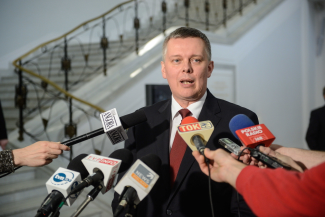 Defence Minister and Deputy PM Tomasz Siemoniak speaks to journalists after the Sejm voted on raising defence expenditure to 2% of GDP, in line with NATO recommendations. Photo: PAP/Jakub Kamiński
