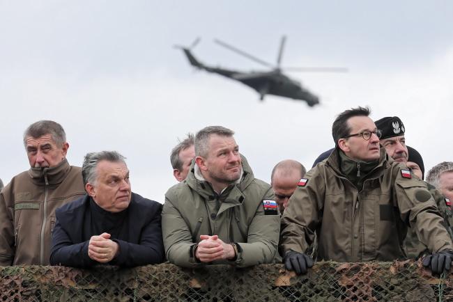 Лидеры V4 на показе боевой выучки солдат 1-й Бронетанковой бригады в местности Весола