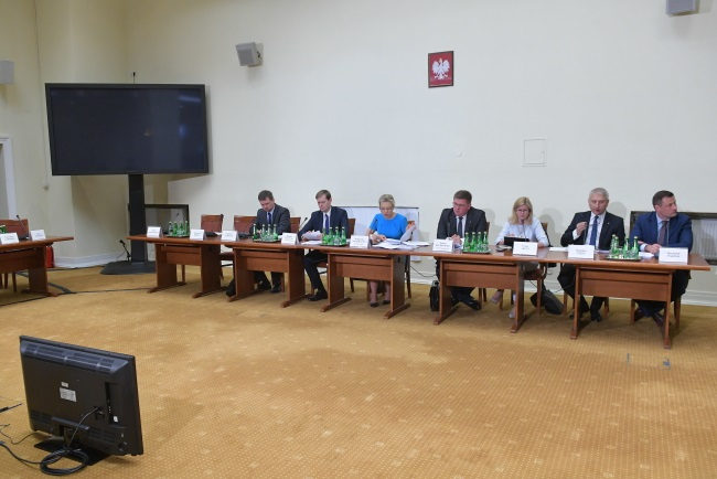 The Polish parliamentary commission probing the Amber Gold pyramid scheme. Photo:  PAP/Marcin Obara
