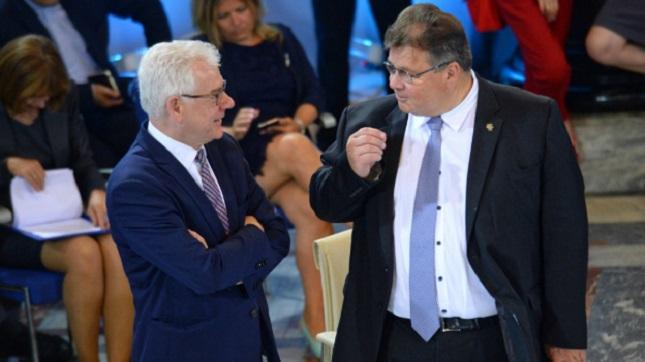 Der polnische Außenminister Jacek Czaputowicz (links) und litauischer Außenminister Linas Linkevicius.