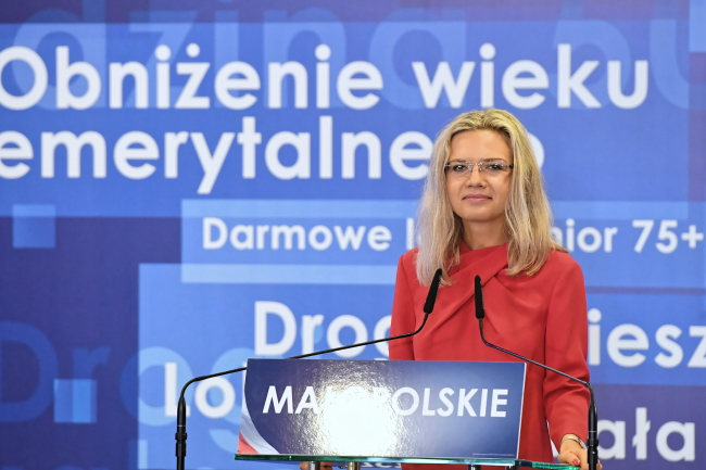 Małgorzata Wassermann speaks at an election convention in Kraków on Sunday. Photo: PAP/Jacek Bednarczyk
