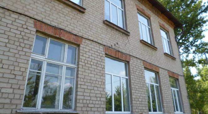 Заміна вікон у школі в селі Студенок Харківської області