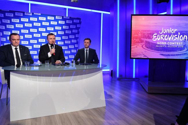 Пресс-конференция президента общественного Польского ТВ Яцека Курского