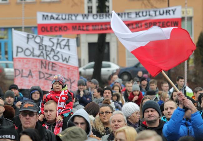 Protesters in Olecko. Photo: PAP/Tomasz Waszczuk