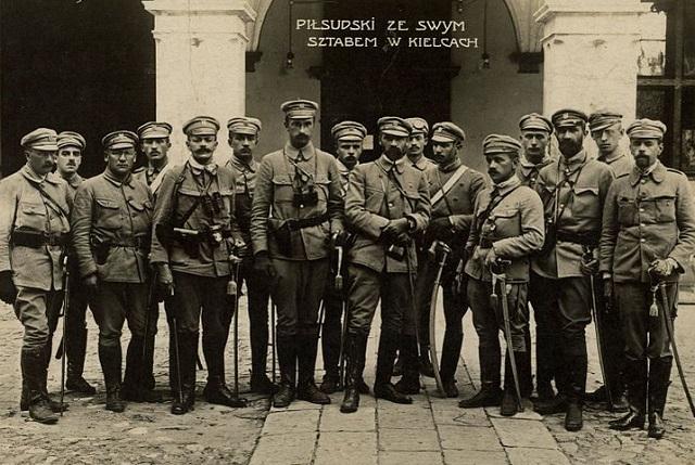 Józef Piłsudski ze swoim sztabem w Kielcach