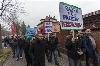 Muslims march in peace protest in Wrocław
