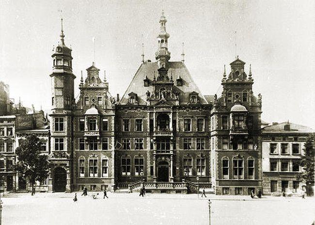Volkstag - здание парламента Свободного города Гданьска. После Второй мировой войны здание было снесено.
