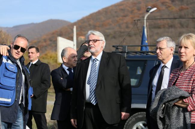 Польская и шведская делегации в селе Одзиси (Грузия).