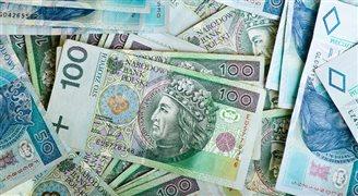 Wielomiliardowe wpływy z podatku bankowego