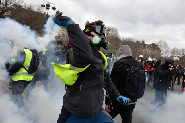 """Протест """"желтых жилетов"""" в Париже"""