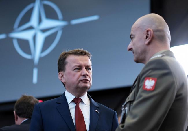 Міністр національної оборони Польщі Маріуш Блащак (ліворуч)
