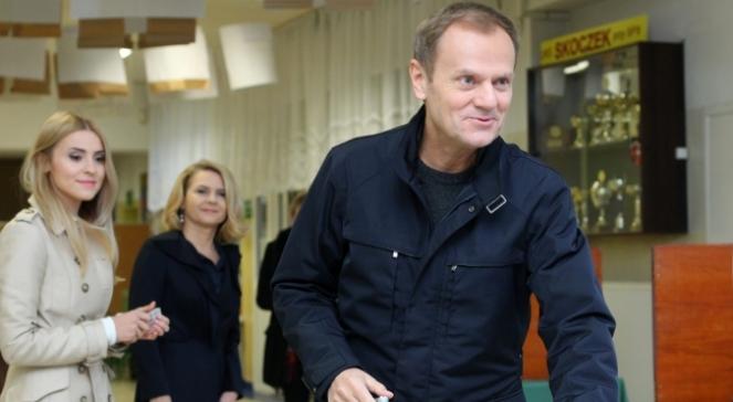 Дональд Туск на виборчій дільниці у Сопоті, 16 листопада 2014 р.