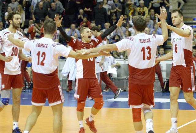 The Polish team celebrate after winning a point in Berlin. Photo: PAP/Darek Delmanowicz