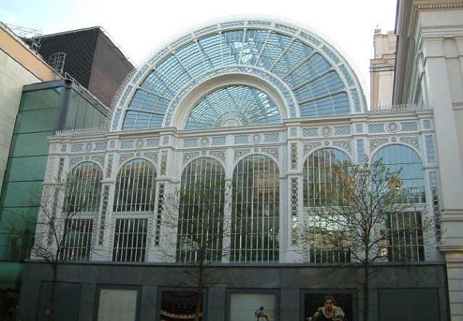 Royal Opera House in London. Photo Tagishsimon/Wikimedia Commons (GFDL)