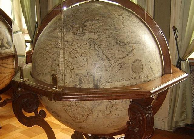 Globus Vincenzo Coronelliego w Muzeum w Nieborowie